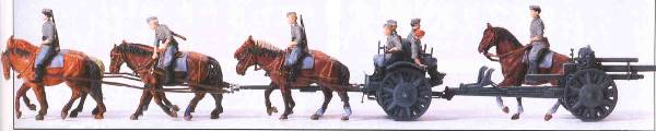 Preiser 16513 Horse drawn field howitzer 105 cm leFH 18Marching.The German Reich 1939-45